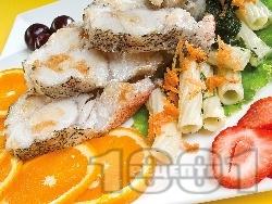 Печена треска маринована с бяло вино, водка и лимонов сок на скара - снимка на рецептата
